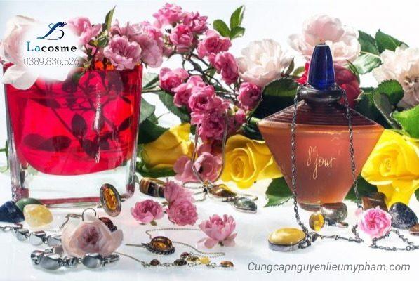 Hương hoa thiên nhiên dùng trong mỹ phẩm