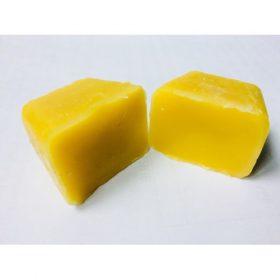 sáp ong vàng dạng bánh